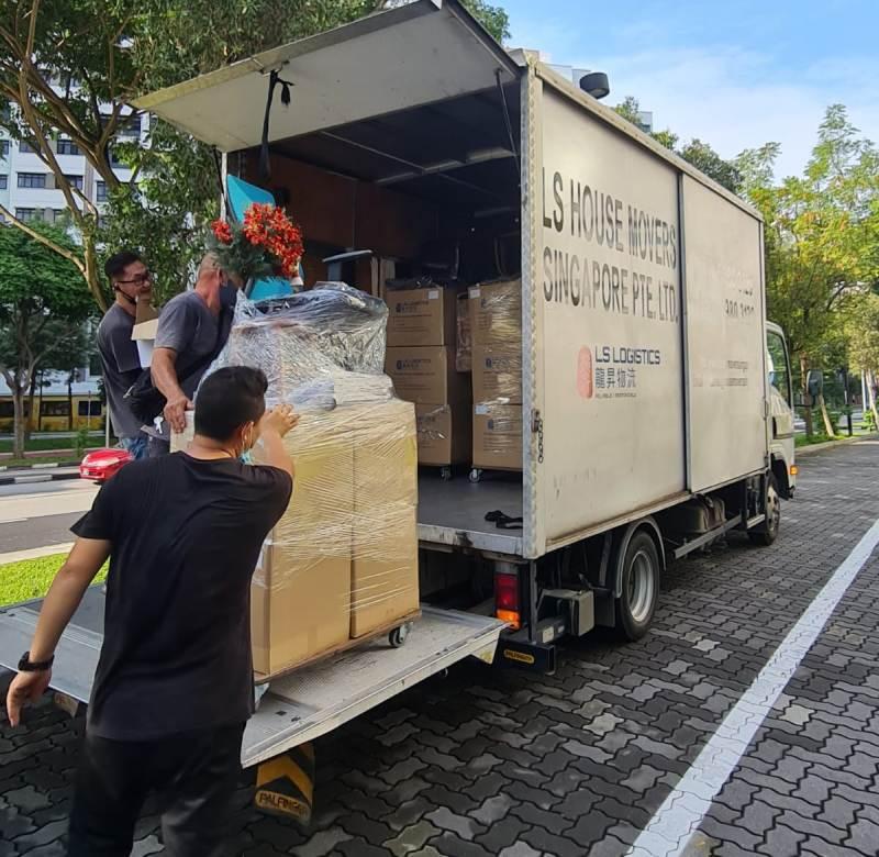 house movers singapore - storage